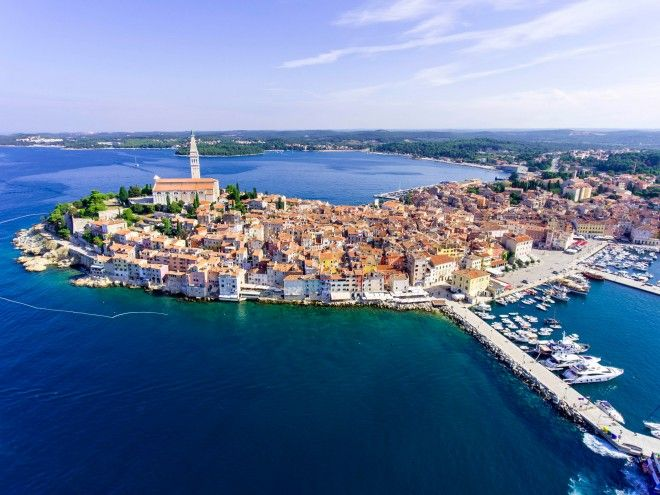 Sailing in Croatia: a first-timer's guide - Coastlines don't come much more idyllic than Croatia's 2000km of ruggedly beautiful Adriatic shore. Along this magnificent stretch are ancient Roman remains standing guard over sheltered harbours; olive groves rising above the winding backstreets of …