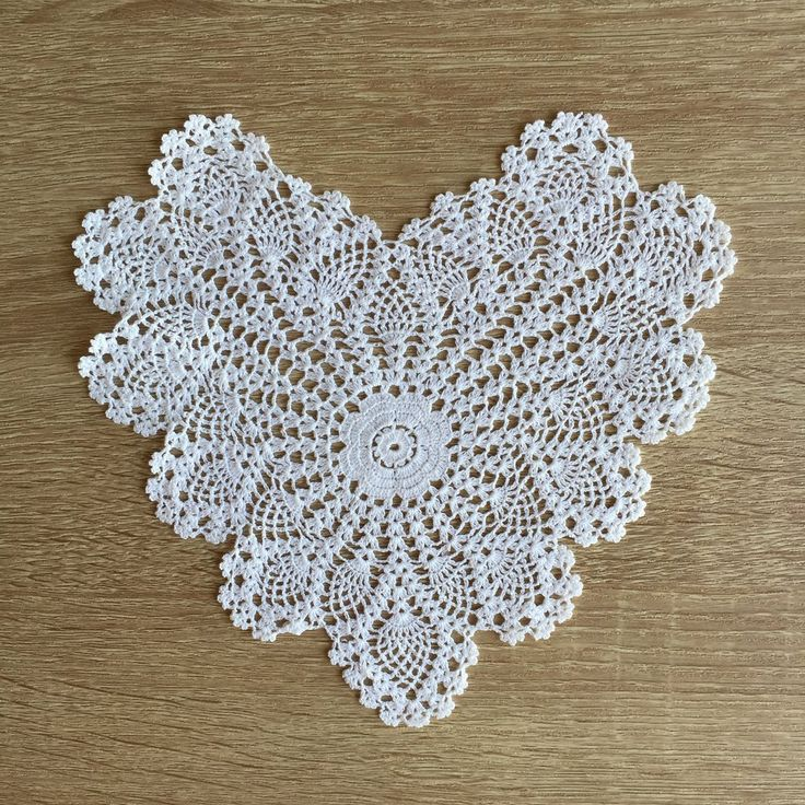 """Pineapple Heart Shaped Doilies White 8"""" Inch Set of 12"""