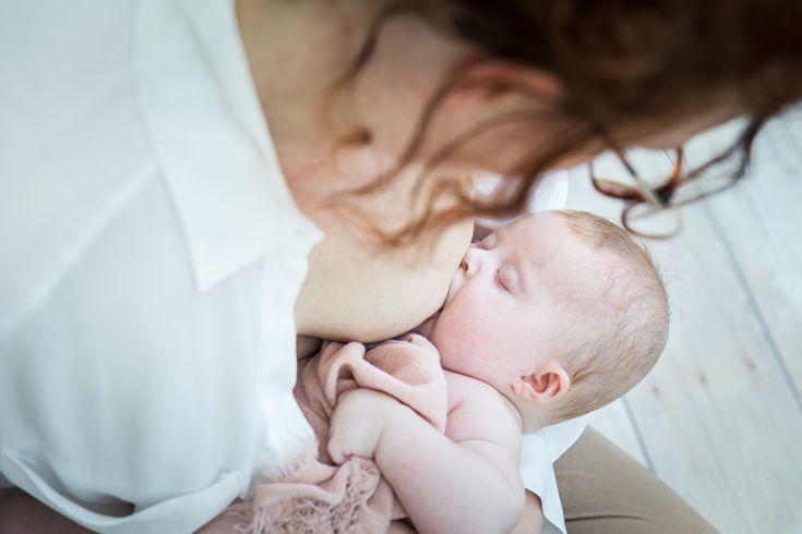 ONDER DEZE OMSCHRIJVING IS DE MOEDERMELK SIERAAD COLLECTIE TE VINDEN!MoedermelksieradenOmschrijving:De periode na de geboorte van een baby is de meest intense en bijzondere periode in het leven van een moeder. Sommige moeders kiezen voor het geven van borstvoeding (ofwel mama's goud) aan haar baby.