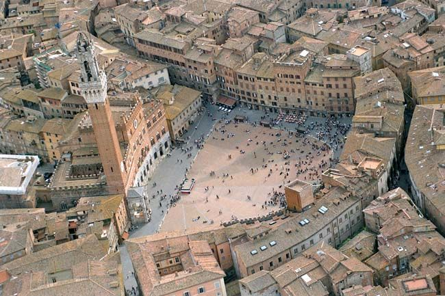 Good Sunday from Piazza del Campo in Siena