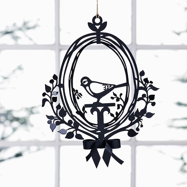 """Bird ornament""  #jettefrölich #jettefroelich #jettefrölichdesign #jettefroelichdesign #danishdesign #interiordesign #handcut #birdornament #metal #windowdecoration #windowdecor #gardendecoration #gardendecor #interiordecoration #interiordecor"