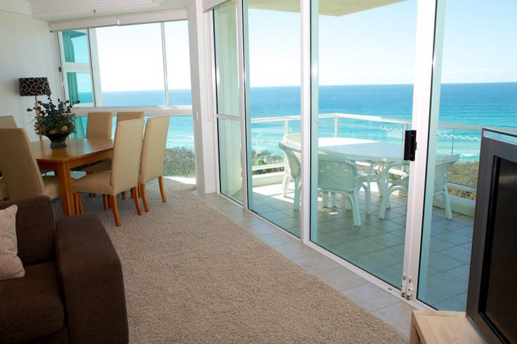 Carmel By The Sea - 2 Bedroom Deluxe Apartments - Broadbeach Luxury Holiday Apartments