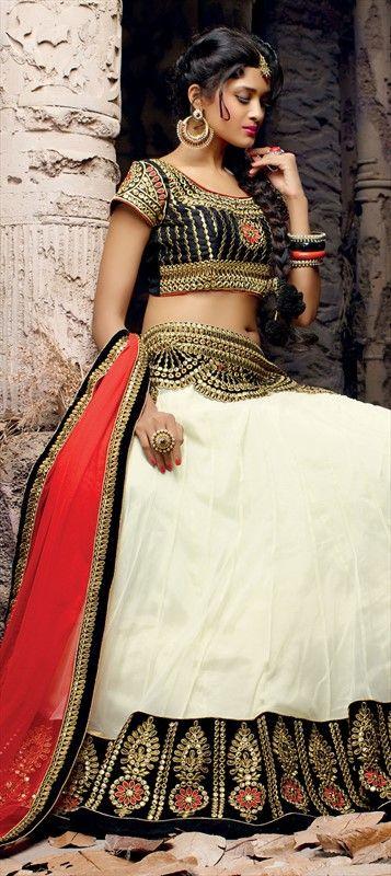 151037: #Stonework #Floral #Patchwork #white #wedding #bridal #designer #lehenga #indianwedding #monochrome #onlineshopping