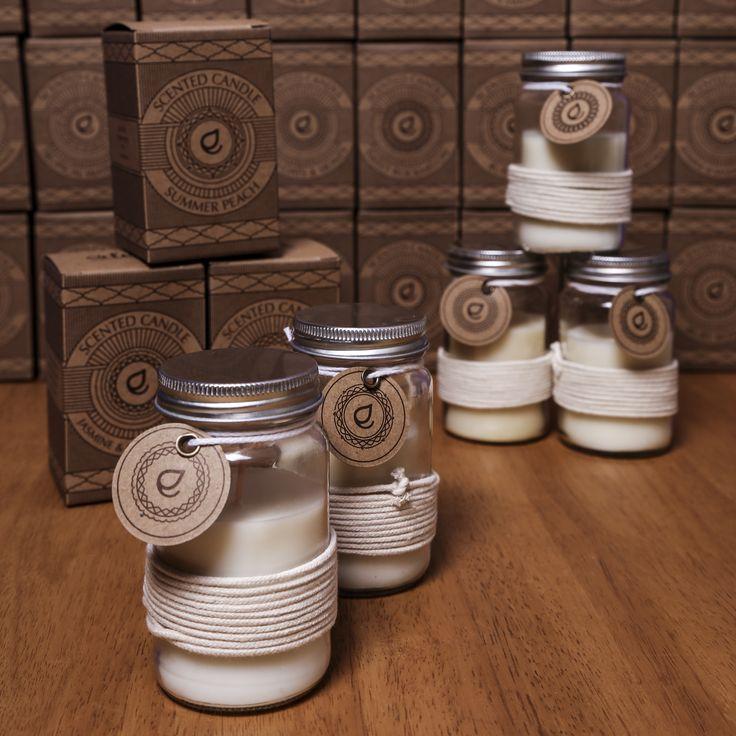 Svíčky ve skleničce Eden jsou vyrobeny ze sójového vosku a hoří až 18 hodin. Dostupné ve velkém množství klasických i originálních vůní. #svíčka #Eden #dekorace #aromaterapie