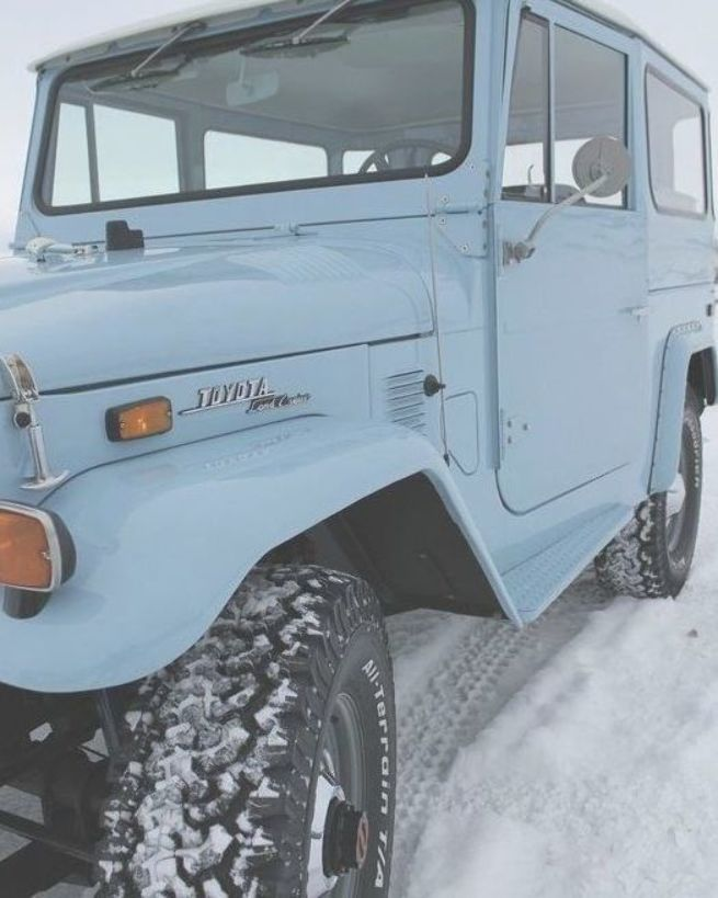 Tough but classic the Toyota Land Cruiser is the ultimate vintage car. #photosnotpasswords #donaufderharpfannerstill