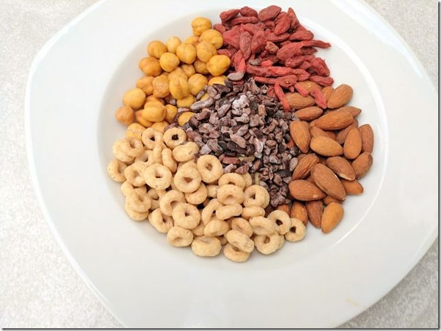 I love trail mix! But I'm rarely on a trail. And I'm a volume eater so I can eat buckets of it! So I put together this super cereal trail mix that is packed with whole grains, fiber, protein and healthy fats to satisfy all my taste buddies.  Super Cereal Trail Mix  Ingredients: 4 cups Honey Nut Cheerios / 1 cup almonds / 1 cup goji berries / 1 cup roasted chickpeas / 1/2 cup cacao nibs  How to make it: Combine all the ingredients (taking special care to not eat half of them in the process)…