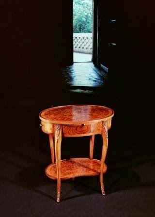 M.I.A. MOBILI INTARSIATI ARTISTICI IN STILE : Tavolini intarsiati in legno