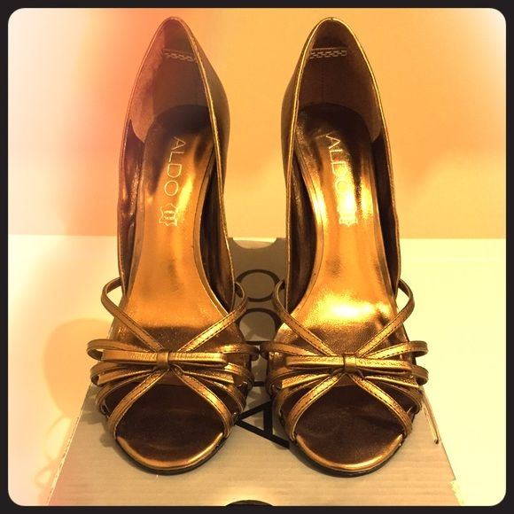 """Cute Open Toe Bronze """"Frirish"""" ALDO Heels These beautiful heels have only been worn once, and are quite comfortable. They are a bronze open toe Aldo dress sandal. True to size. Comes with original box. ALDO Shoes Heels"""