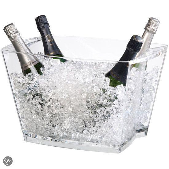 wijn.. altijd lekker als je in bad ligt - relaxed