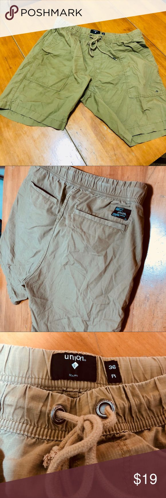 Classic Union Board Shorts Beige board shorts that have no signs of wear. Slight wrinkles are apart of style but can iron if needed before shipping. Australian made company, Union, is a popular skate and surf clothing store. ASOS Shorts