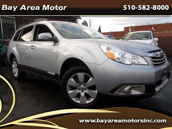2012 Subaru Outback 2.5i Limited leather navi camera we finance call