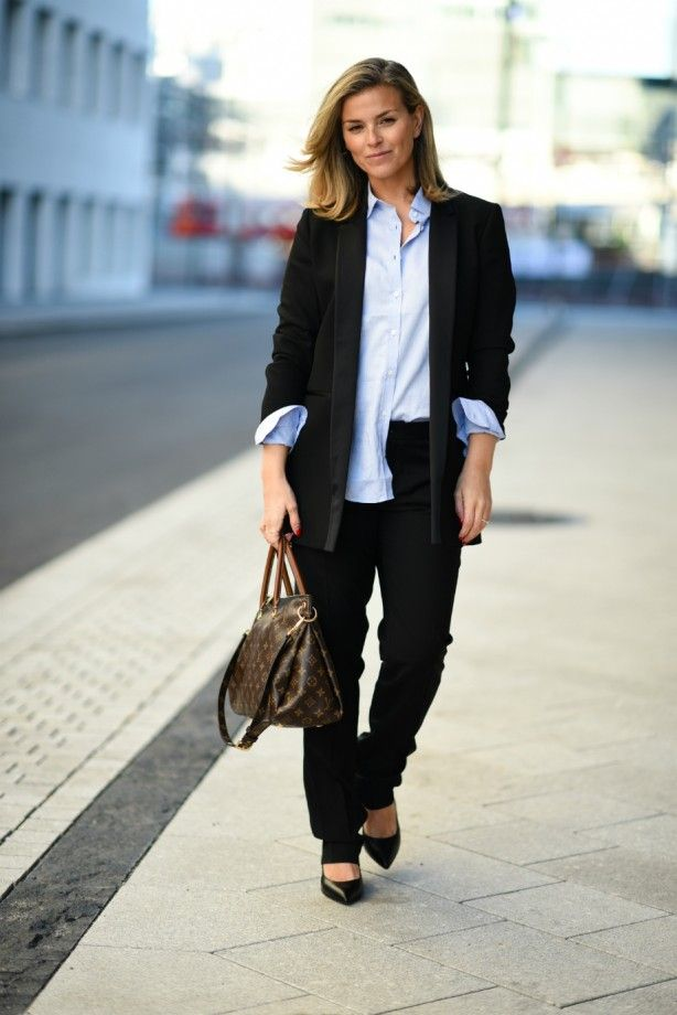 Style...Janka Polliani // classic black suit