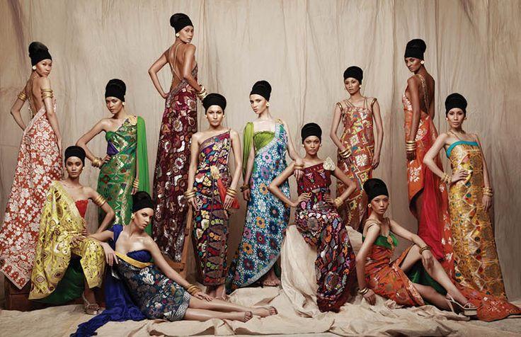 Balinese weaving fashion design by Priyo oktaviano