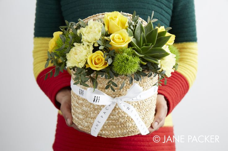 """Pineapple"" Hat box arrangement from the Jane Packer Online Collection - Summer Fruits 2016"