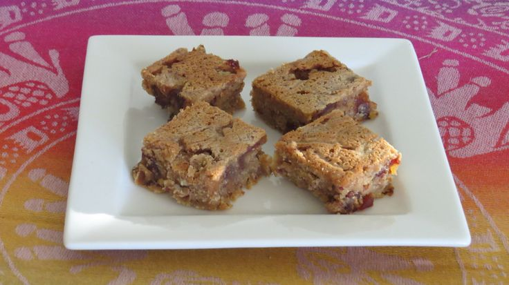 Grain free, dairy free and sugar free slice. Loads of flavour and simple to prepare. If your doing a challenge, this is a great sweet snack to have instead of sugar loaded cake.