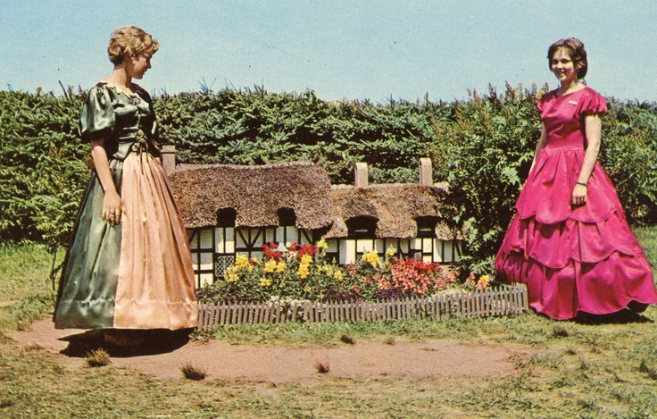 Hostesses at Model of Ann Hathaway's Cottage Woodleigh Replicas Kensington P E I