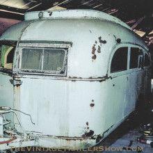 484 best vintage trailers images on pinterest vintage caravans vintage trailers and campers. Black Bedroom Furniture Sets. Home Design Ideas