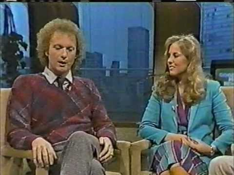 Good Morning New York-May 1981 Genie Francis/Tony Geary Can't keep their hands off of each other.
