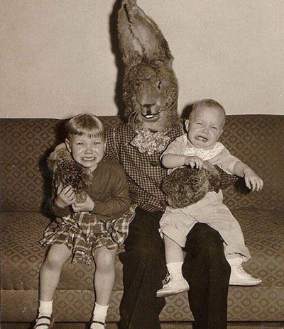 http://theghostdiaries.com/old-mysterious-photos-that-will-haunt-your-dreams-part-2/