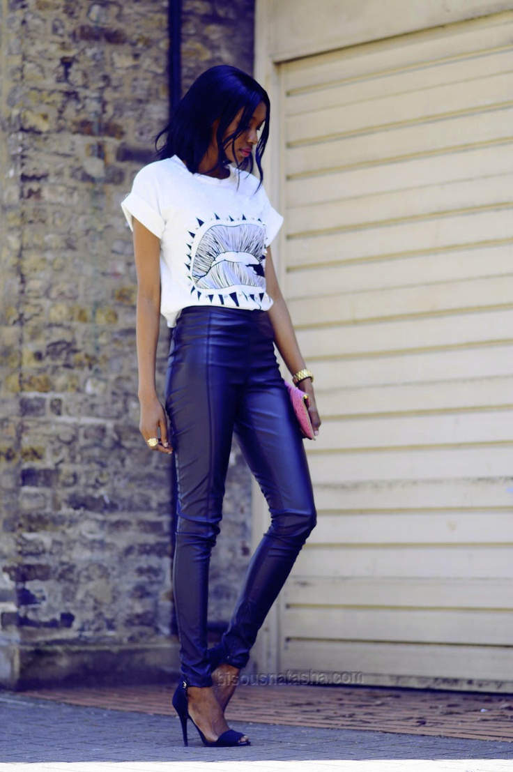 tee + leather skinny pants chic style