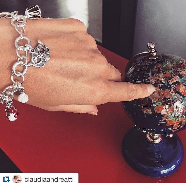 La bellissima e bravissima Claudia Andreatti con il suo bracciale Veneto Gioielli Dop #summer15 #effettoestate #gioiellidop Scopri la collezione su www.gioiellidop.com/store