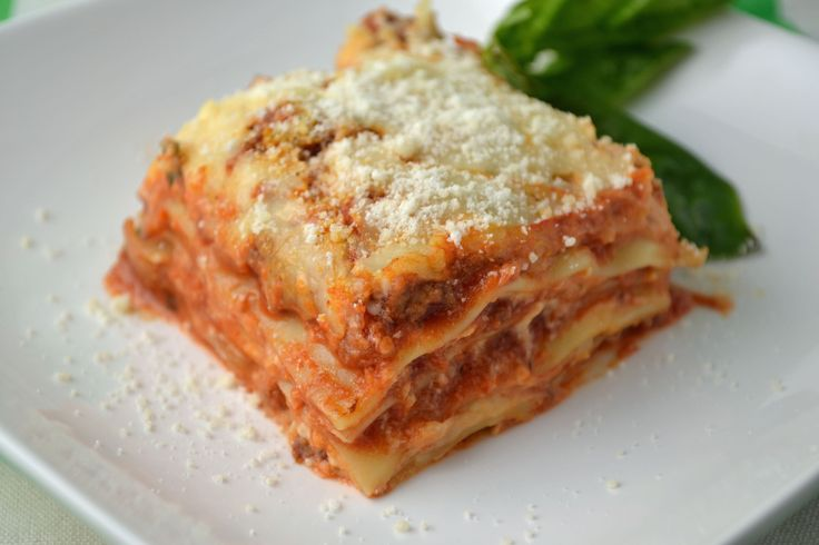 Classic Baked Lasagna (but without the ricotta cheese)