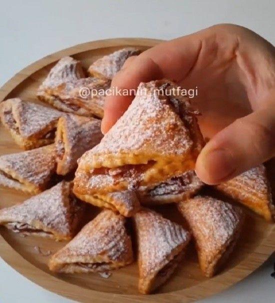 Ben sık sık elmalı kurabiye yapıyorum ama ne yapayım o bunu hak ediyor 😌 Daha pastane işi oldu 😊Sizde yapın mutlaka..