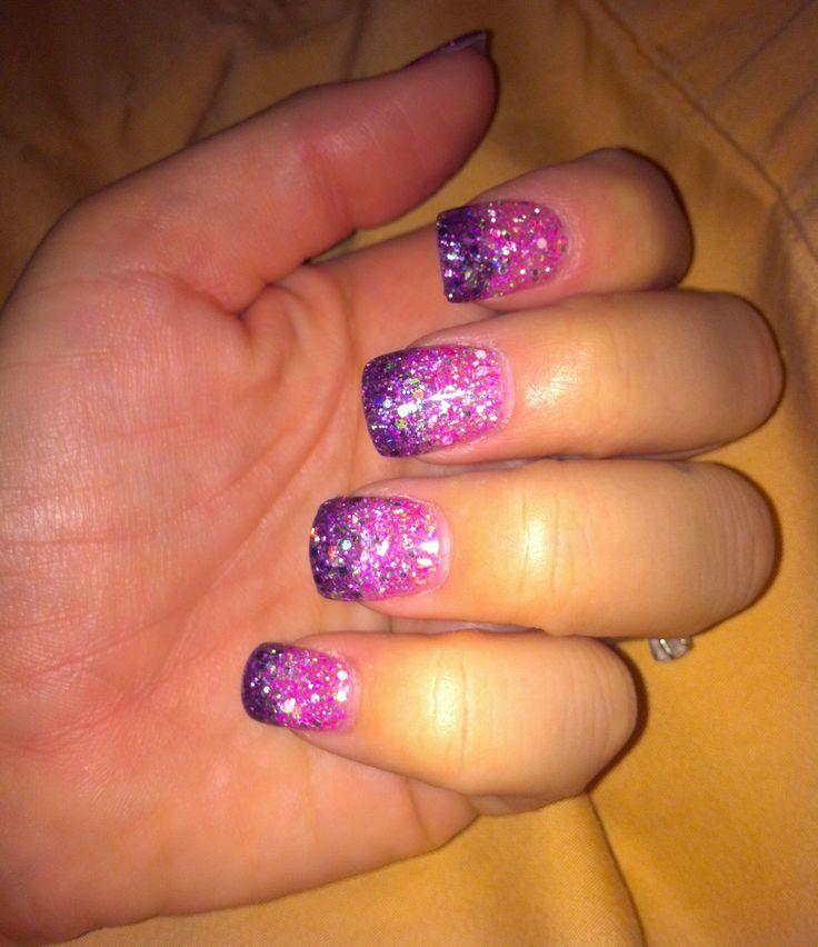 Two toned acrylic nails,glitter!