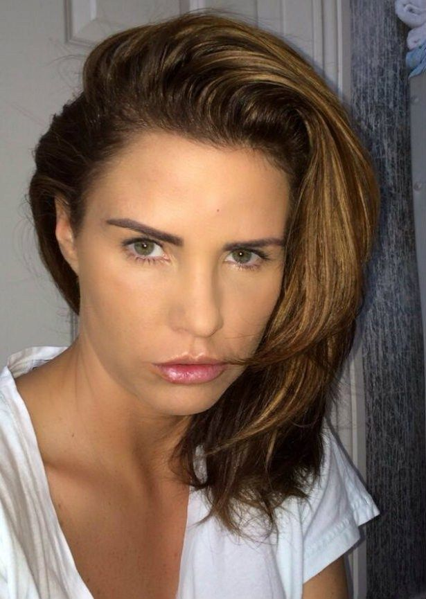 Has Katie Price just made up with Victoria Beckham? 'I'm Nemo in a sea, she's a whale'. Maybe not, then..... http://www.starcelebritynoise.com/celebrity_Gossips.php