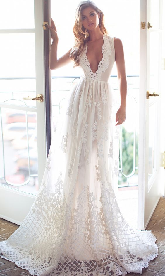 Wedding dress idea; Featured: Lurelly #vestidodenovia | # trajesdenovio | vestidos de novia para gorditas | vestidos de novia cortos http://amzn.to/29aGZWo