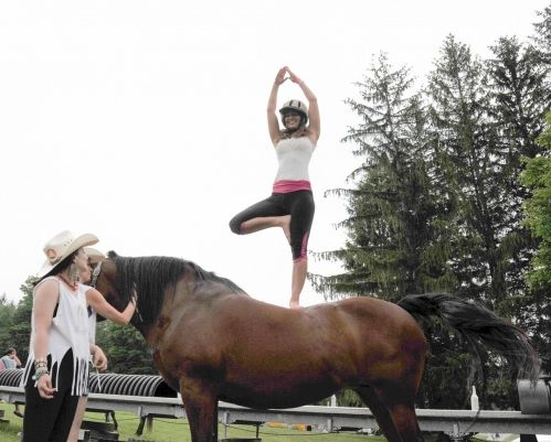 WANDERLUST_HORSE-YOGA