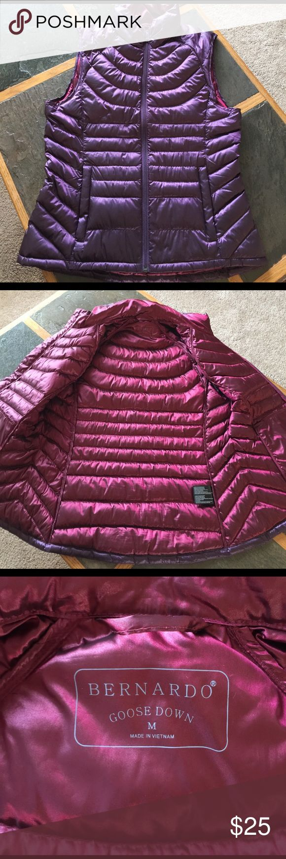 Bernardo Puffer Jacket. Used like New. Super light weight. Great for cool but not super cold days! Perfect for fall or spring. Armpit to armpit roughly 20 inches. Roughly 25 inches in length. Bernardo Jackets & Coats Puffers