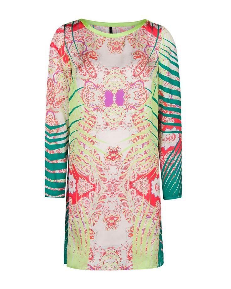 Vestidos primavera Tipo de cuerpo Tips Moda Vestido tipo túnica con estampado de paisley y detalles fluo, de Mango