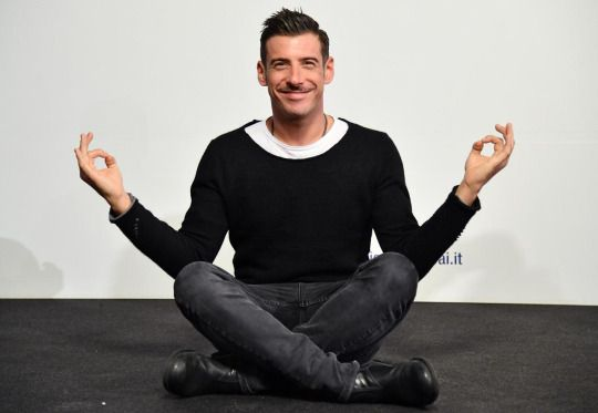 Francesco Gabbani (September 9, 1982) Italian singer, who represents Italy at the Eurovision Song Contest of 2017.