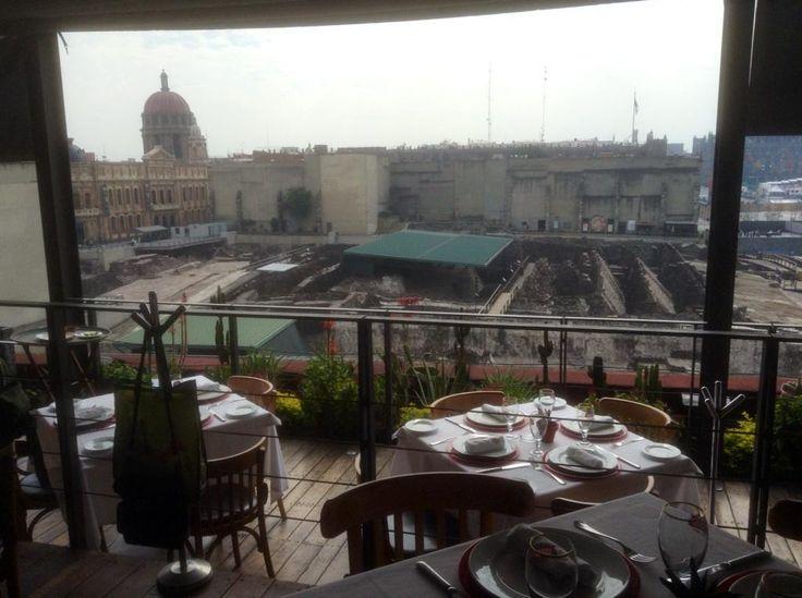 Hermosa vista del #TemploMayor desde terraza del Restaurante #MexicoCity #Zocalo #CentroHistoricoDF @AalvaradoG #centroDF