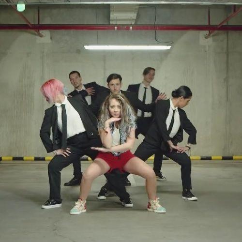 Nicole Cherry - Pana vine vineri (Music Video)  http://goo.gl/dRC328