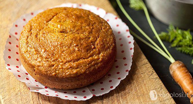 Una torta vegana con carote e tofu, un abbinamento da non perdere e che renderà questo dolce leggero e morbidissimo! Siete pronti a provarla con noi?