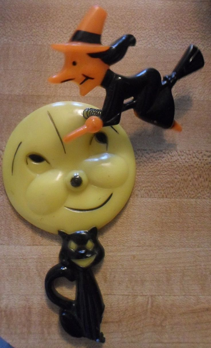 Vintage halloween decorations plastic - Old Rosbro Rosen Hard Plastic Halloween Witch Flying By Moon Black Cat Vintage Ebay