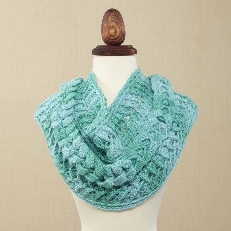 1433 best images about Cowls & Infinity Scarves on Pinterest Free patte...