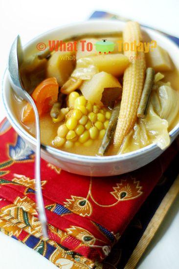 Indonesian vegetable tamarind soup / sayur asam. My favorite soup dish.