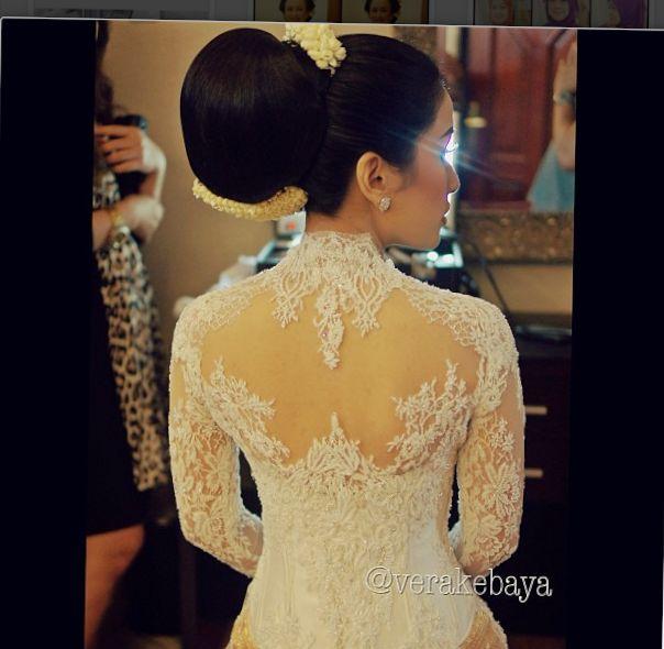 Kebaya lace