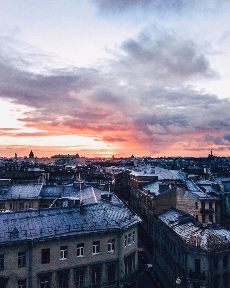 Вы только посмотрите какой сегодня был закат !  #ontheroofs by maksimmarkelov