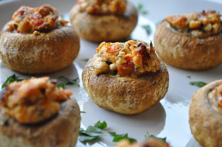 Funghi ripieni di formaggio Asiago e pancetta