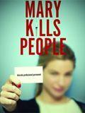 Mary Kills People Mary Harris (Caroline Dhavernas) é mãe solteira e trabalha como médica no setor de emergência de um hospital. Ela salva vidas durante o dia, mas, à noite, a missão desta médica é o..
