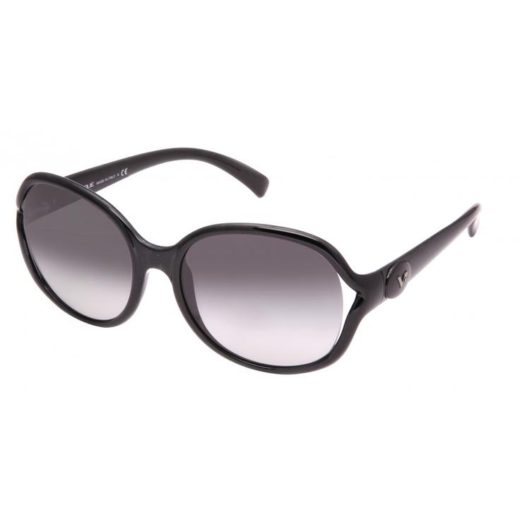 Black #Vogue sunglasses with gradient lenses