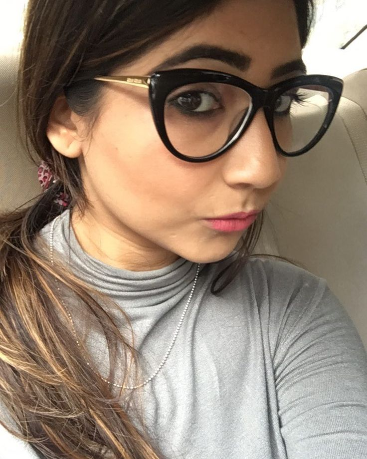 Nerd mode on  on my way to a book reading session with Blossam Kochhar  #bookreading #reading #blossomkochhar #bbloggers #indianbeautyblogger #beautyblog #beautytalk #bloggergirl #thatsdarling #petitejoys #theeverygirl #delhibeautyblogger #aromatherapy #delhievents #blogsociety #igdaily #instabeauty #potd #miumiu #lipsticklove #macpleaseme #beautygram #beautychat