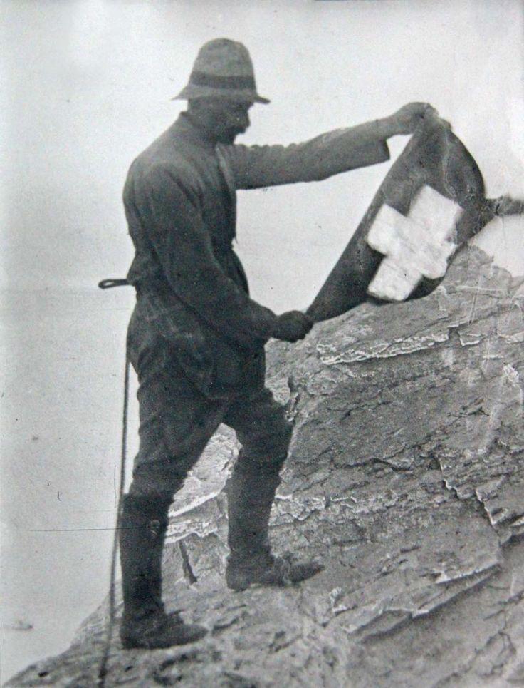 Όλυμπος, Ο Φρεντερίκ Μπουασονά υψώνει την ελβετική σημαία στην κορυφή Ταρπηία Πέτρα 1913