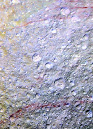 Księżyc Saturna jak porysowany czerwoną kredką. Tetyda ma dla naukowców zagadkę. http://tvnmeteo.tvn24.pl/informacje-pogoda/ciekawostki,49/ksiezyc-saturna-jak-porysowany-czerwona-kredka-tetyda-ma-dla-naukowcow-zagadke,174934,1,0.html