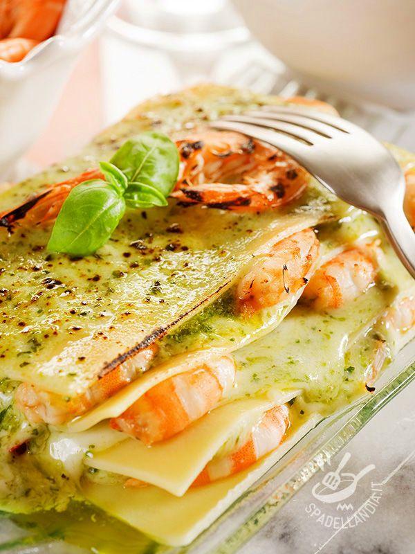 Light pesto lasagne with shrimp - Per le vostre Lasagne al pesto con i gamberi potete cimentarvi nella preparazione della besciamella leggera: seguite i consigli della cuoca!