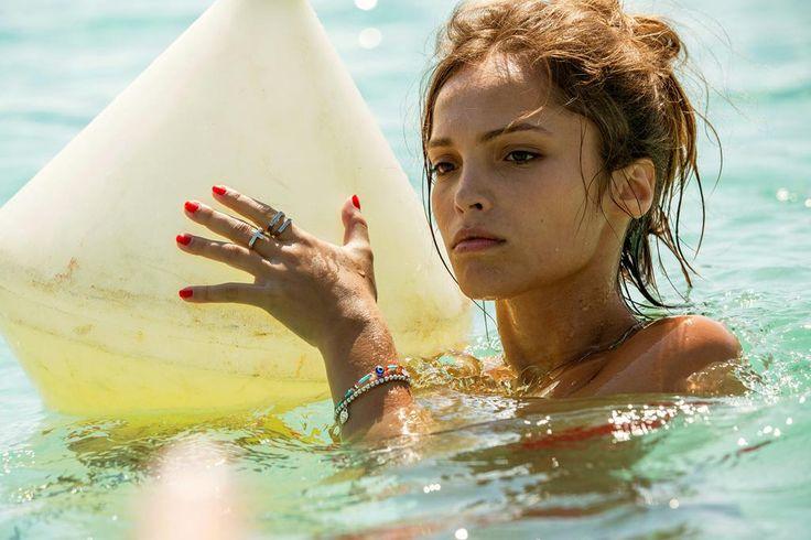 Nude video celebs » Lola Le Lann nude - Aux animaux la